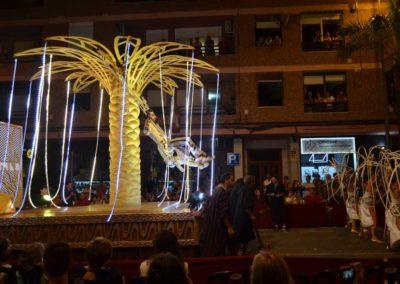 Árbol iluminado para ballet Ópera